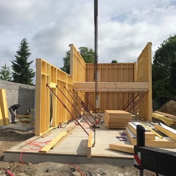 Pose des murs en ossature bois